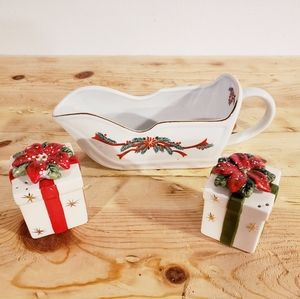 NEW Christmas set salt & pepper shakers gravy boat